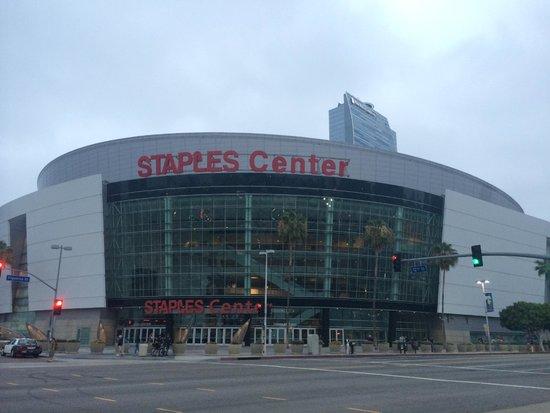 Staples Center: 正面