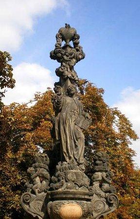 Prague Arts Tour - Jana Preti: Charles Bridge