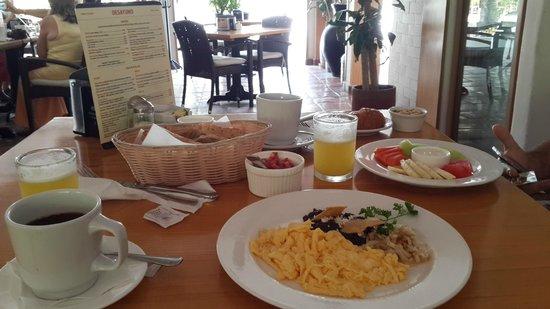 La Tortuga Hotel & Spa: café da manhã