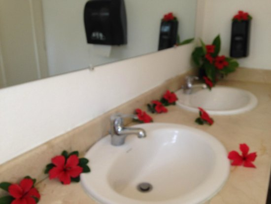 Grand Palladium Palace Resort Spa & Casino : Banheiro do Lobby Palace