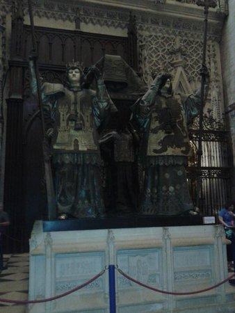 Catedral de Sevilla: Monumento a los Reyes Católicos
