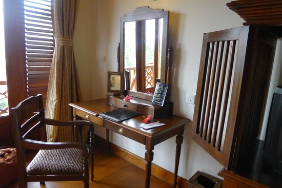 Inle Lake View Resort & Spa : nice furnishings