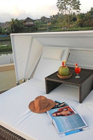 Villa Nirvana Bali: The rooftop sitout is a wonderful place for an evening drink
