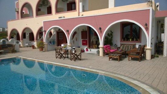 Koronios Villa: zona piscina