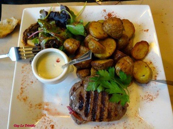 Théo Jasmin : Pièce de boeuf bleue , sauce Roquefort, pommes de terre Krign