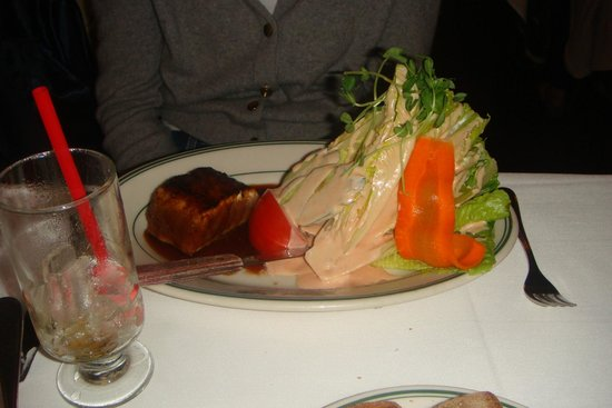 Tadich Grill : mountain of lettuce drenched in thousand island dressing