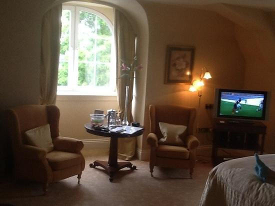 Hayfield Manor Hotel: Our room from bed