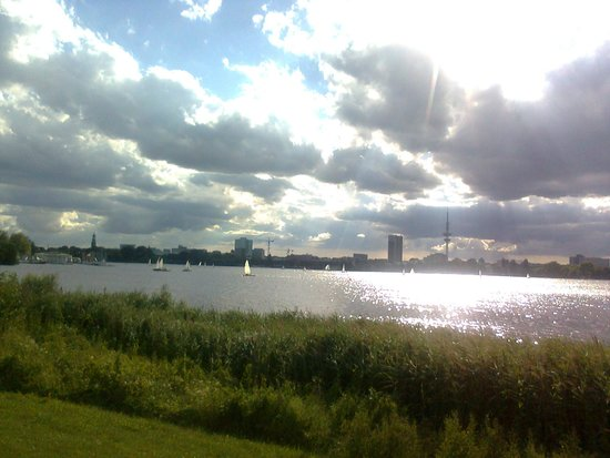 Alster Lakes: Vista dal lungolago