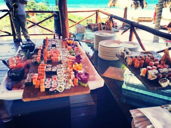 Excellence Playa Mujeres : Sushi bar on the beach for Excellence Club Memebers