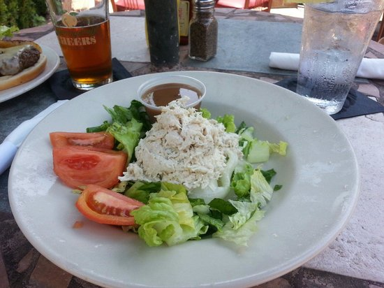 Cotton Patch Jazz & Blues Cafe: Chunky chicken salad. They were out of brocoli and cauliflower.  Still a great salad.