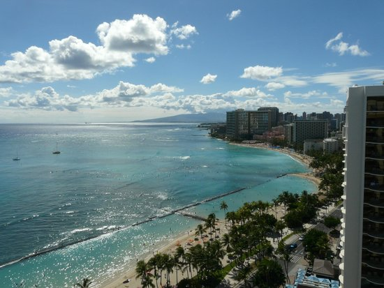 Aston Waikiki Beach Hotel: View of Waikiki from Room 2521