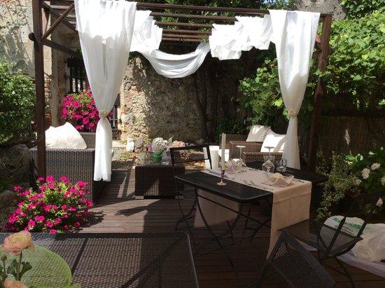 Tricesimo, Italia: Il giardino.....
