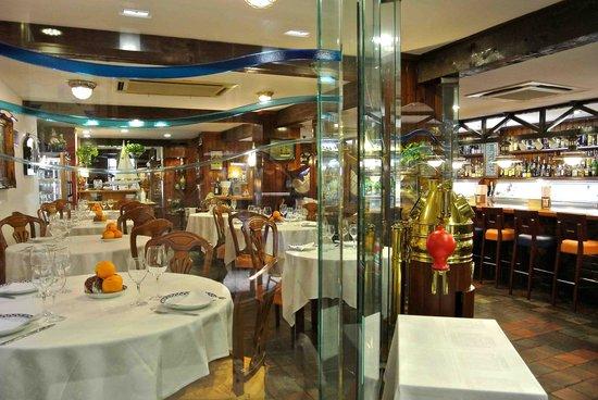 Civera Marisquerias : Restaurant Interior