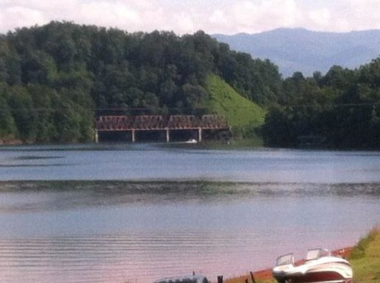 Almond Boat and RV Park : July 4th on Fontana Lake