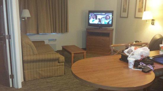 Candlewood Suites Williamsport: living room