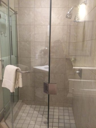 The Westin Kierland Villas: Shower in 7403