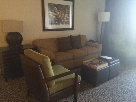 The Westin Kierland Villas: Living room in 7403