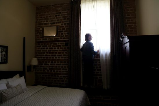 Embassy Suites by Hilton Charleston - Historic Charleston: High Windows