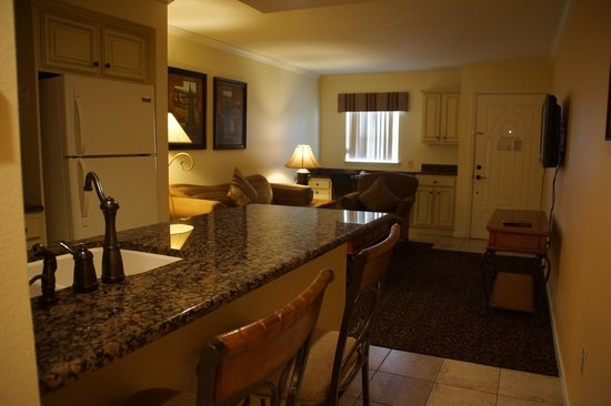 Toscana Suites : full kitchen