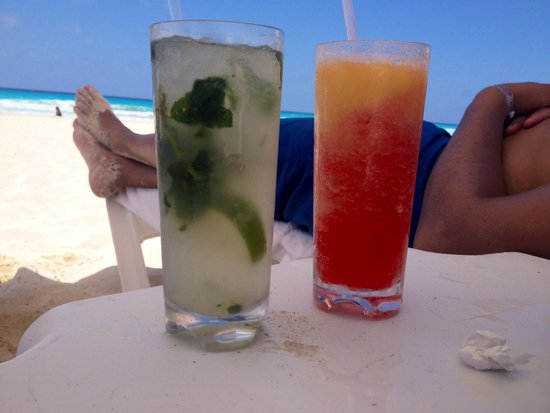 Le Blanc Spa Resort: Best mixed drinks all made with fresh fruit !