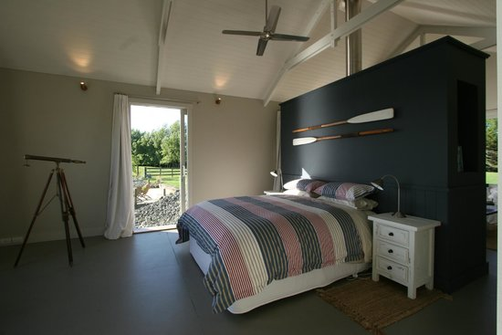 Boathouse Row: Bedroom with afternoon sun and lake views