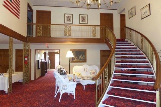 Colonial Inn: Lobby