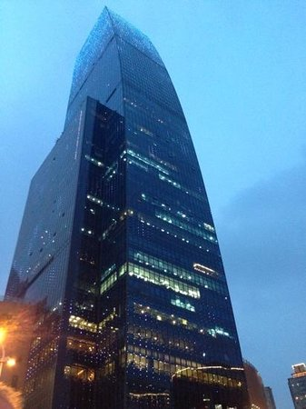 Renaissance Shanghai Zhongshan Park Hotel: The building the hotel is in is easy to spot if you are out walking!