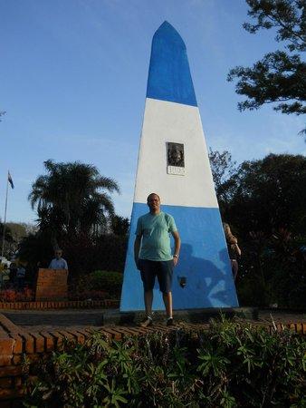Hito de Las Tres Fronteras Argentina : Puerto Iguazu