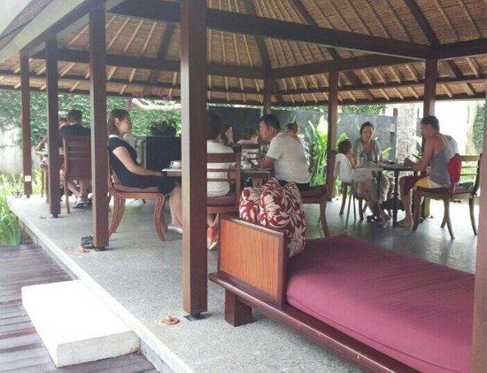 Tapis Restaurant: Lunch time