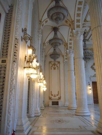 Palace of Parliament: Palace Hallway