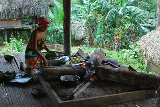 Embera Village Tours & More: Cooking lunch