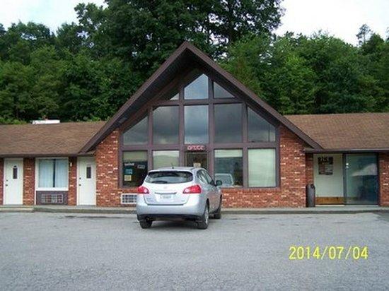 Big Walker Motel: Office