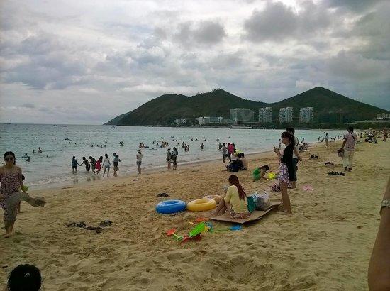 Dadonghai Beach : 珠江花園酒店前のビーチ