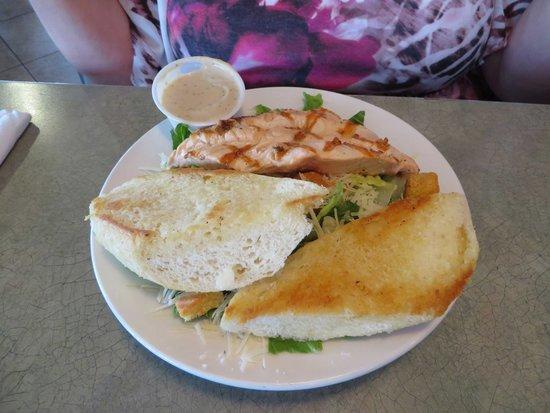 Fisherman's Market & Grill: Salmon Ceasor salad