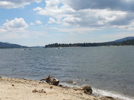 Big Bear Lake : Lake view 2
