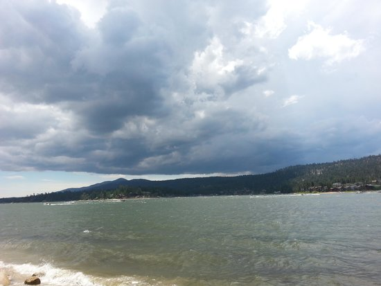 Big Bear Lake : Storm approaching
