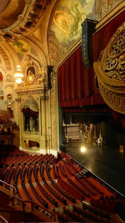 The Chicago Theatre: inside