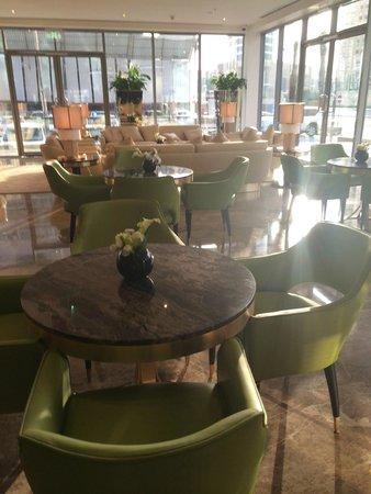Movenpick Hotel West Bay Doha: Lobby area