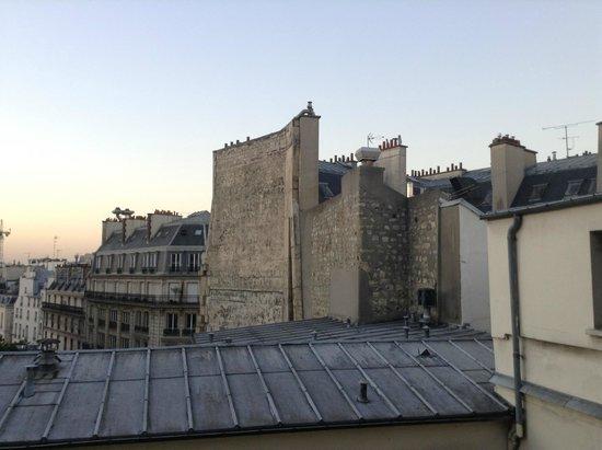 Bvj Paris Louvre: view from top floor (private) window