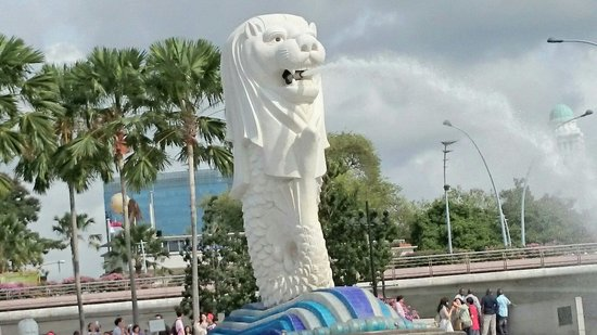 the merlion from the ducj photo de duck hippo singapour
