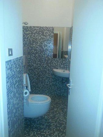 Tutti i bagni in camera picture of hotel ristorante ambro montefortino tripadvisor - Bagni in camera ...
