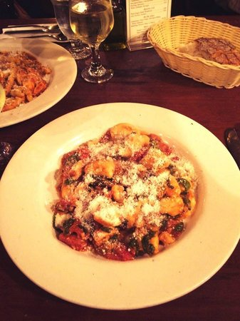 Giacomo's Restaurant: Gnocchi pasta