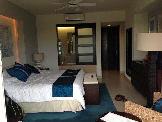 Marival Residences Luxury Resort : master bedroom room 212