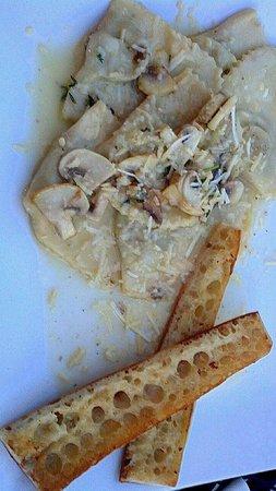 The Loft: Mushroom Ravioli and garlic toast