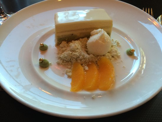 Bistro 101 at Pacific Institute of Culinary Arts : Orange pistachio pave cake