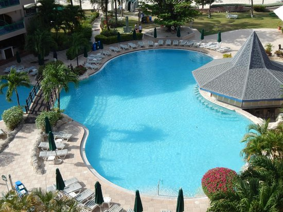 Accra Beach Hotel & Spa: view of the pool from the balcony