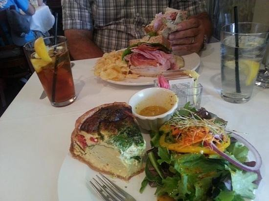 Drummer's Cafe at The Atlantic Hotel: delicious mountain food