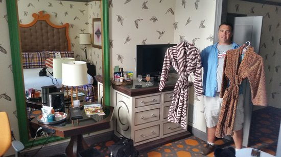 Kimpton Hotel Monaco Portland: gotta love the robes they provided.