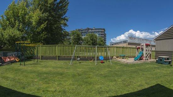 Valley Star Motel: Playground