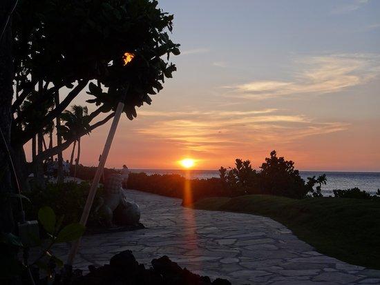 Hilton Waikoloa Village: Beautiful sunsets every night.